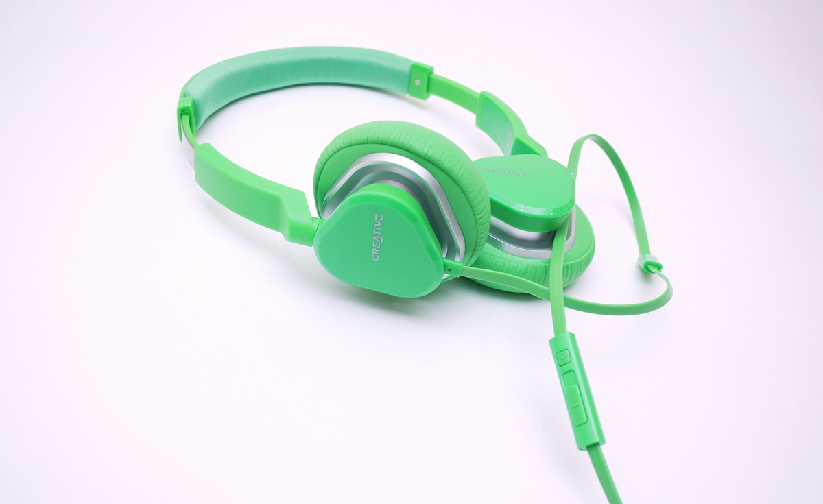 [XF] 亮彩新鮮貨 Creative HITZ MA2400 耳罩式耳機