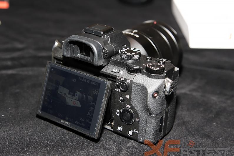 輕巧全片幅機身內建五軸影像穩定機構的SONY α7Ⅱ十二月初開賣