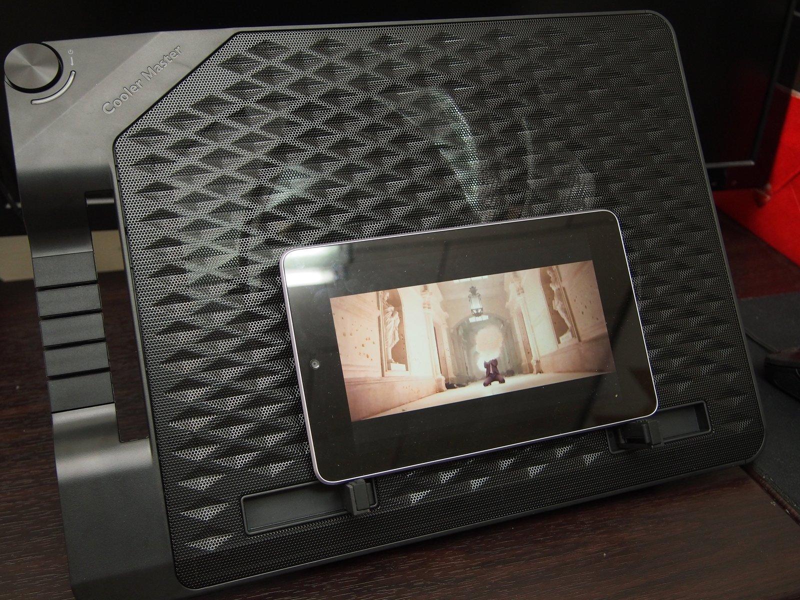 [XF] 大風扇加持,筆電平板都適用 Cooler Master ErgoStand III 散熱架