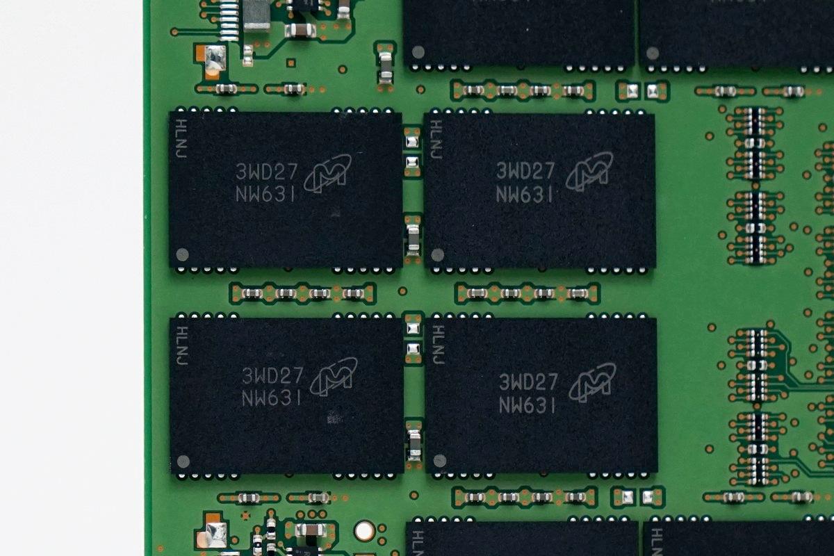 [XF] 剽悍續作 優越的讀寫能力Crucial M550 256GB 評測