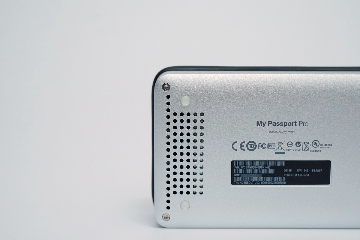 [XF] 用料上乘份量實在 MAC資料備份好幫手 WD My Passport Pro 4TB 開箱
