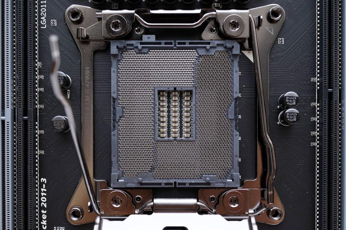 [XF] 頂規X99 熱血電競 再創榮光 GIGABYTE GA-X99-Gaming G1 WIFI評測