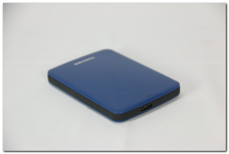 XF特輯:正妹特派員小筑的Toshiba Canvio Connect 750GB 開箱介紹