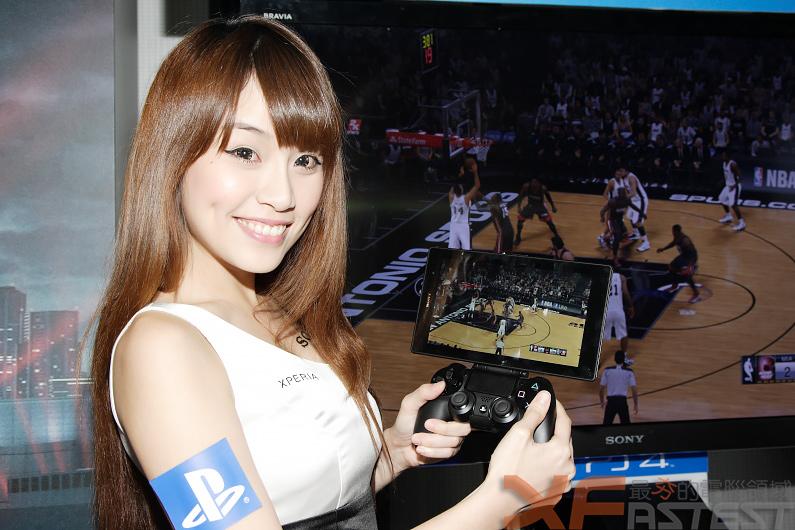 好攜帶的SONY Xperia Z3 Tablet Compact也可和PS4連線使用