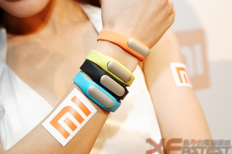 小米即將開賣首款4G手機、路由路及手環